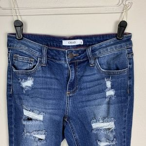 CELLO Women's Distressed Jeans Size 5